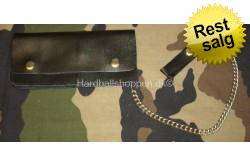 Læderpung med kæde, stor 20 x 10 cm..